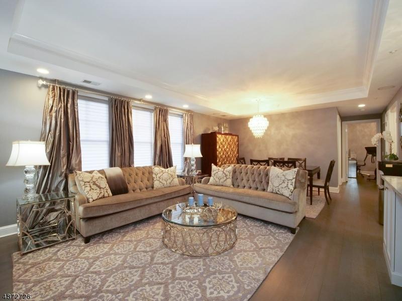 Condo / Casa geminada para Venda às 40 W Park Place Morristown, Nova Jersey 07960 Estados Unidos