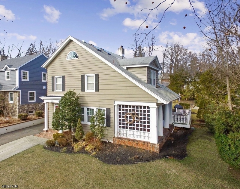 Single Family Home for Sale at 160 HIGHFIELD Lane Nutley, New Jersey 07110 United States