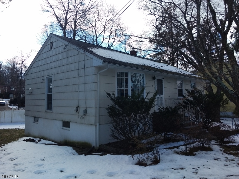 Single Family Home for Sale at 26 FUNDUS RD 26 FUNDUS RD West Orange, New Jersey 07052 United States