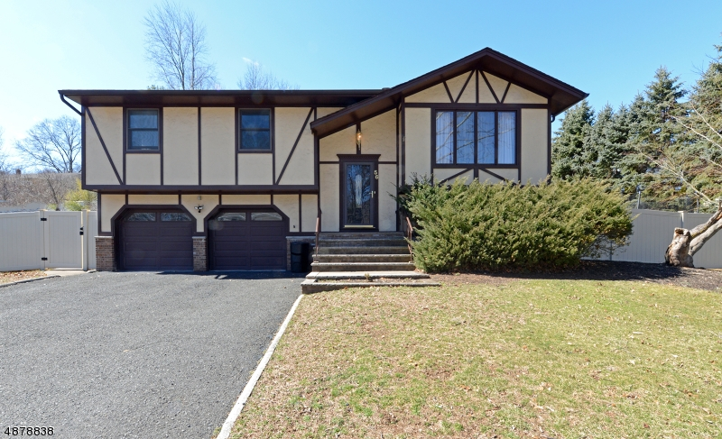 Single Family Home for Sale at 56 KAUFMAN DR 56 KAUFMAN DR Westwood, New Jersey 07675 United States