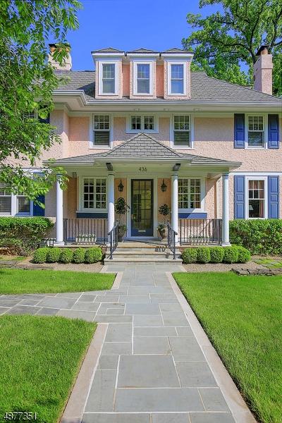 Частный односемейный дом для того Продажа на 436 HILLSIDE AVENUE Westfield, Нью-Джерси 07090 Соединенные Штаты