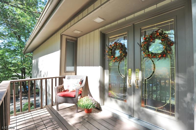 Single Family Homes für Verkauf beim Oakland, New Jersey 07436 Vereinigte Staaten