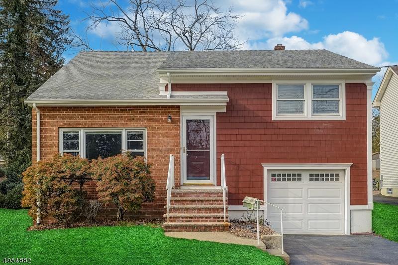 Single Family Homes vì Bán tại Fanwood, New Jersey 07023 Hoa Kỳ