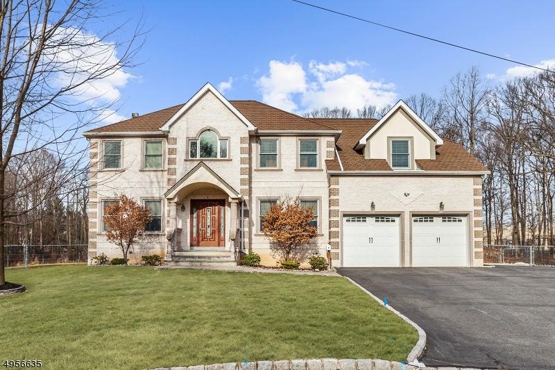 Single Family Homes per Vendita alle ore 6 FLOWER Court Edison, New Jersey 08820 Stati Uniti