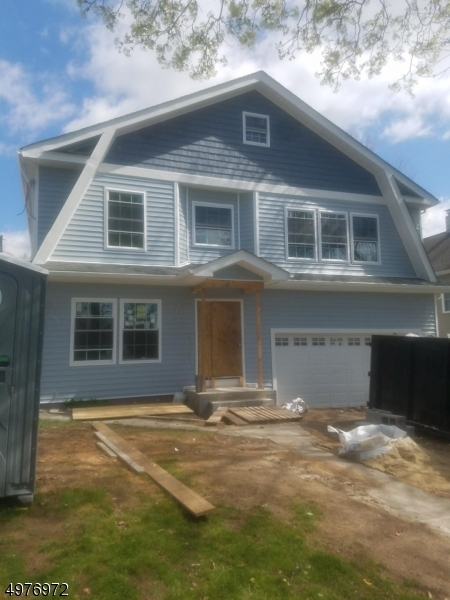 Single Family Homes 为 销售 在 纳特利, 新泽西州 07110 美国