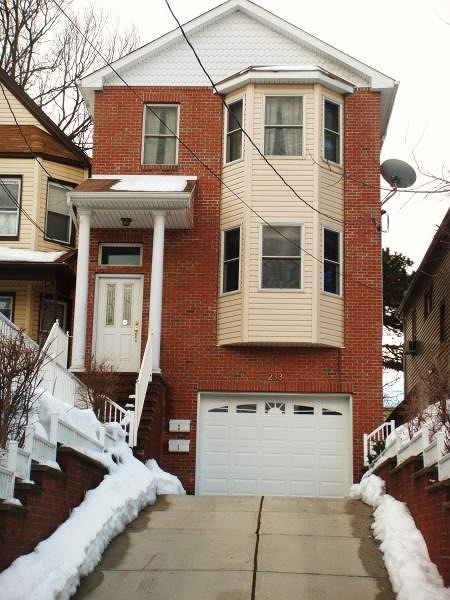 Additional photo for property listing at 233 Duncan Avenue  Jersey City, Нью-Джерси 07306 Соединенные Штаты
