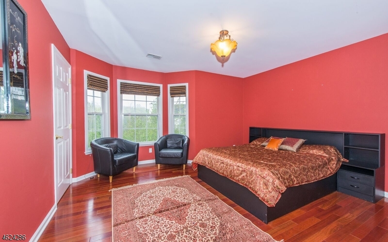 Additional photo for property listing at 2 Crooked Hl  Oakland, New Jersey 07436 United States