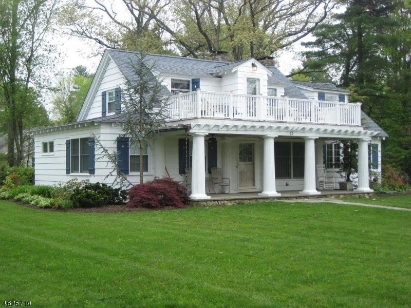 Частный односемейный дом для того Продажа на 11 Lake Avenue Hewitt, 07421 Соединенные Штаты