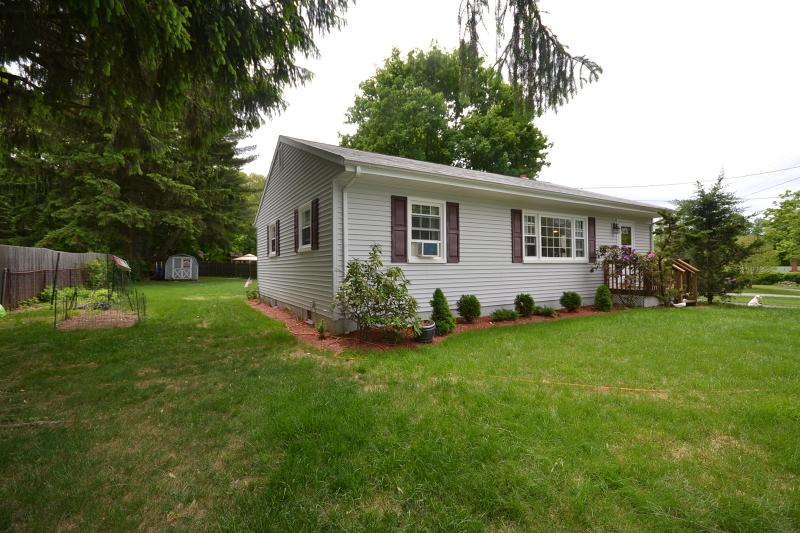 Частный односемейный дом для того Продажа на 44 SIGNAL HILL Trail Sparta, Нью-Джерси 07871 Соединенные Штаты