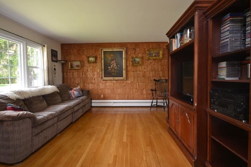 Additional photo for property listing at 44 SIGNAL HILL Trail  Sparta, Нью-Джерси 07871 Соединенные Штаты