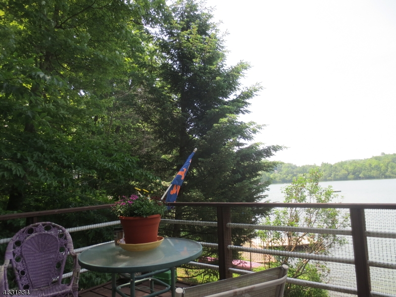 Additional photo for property listing at 32 Lakeshore Dr NW  Sussex, New Jersey 07461 États-Unis