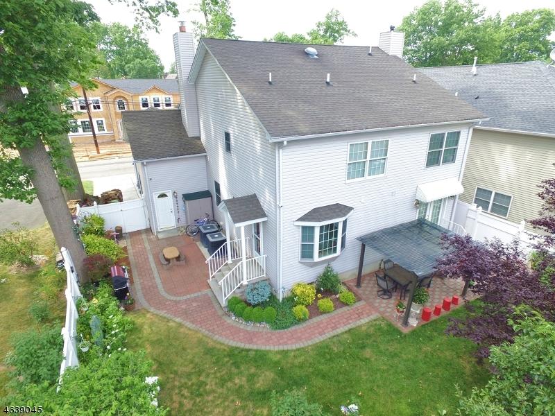 Частный односемейный дом для того Продажа на 59 Rosewood Ter Linden, Нью-Джерси 07036 Соединенные Штаты