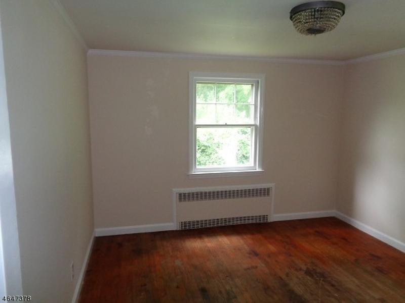 Additional photo for property listing at 71 Boonton Avenue  Boonton, Нью-Джерси 07005 Соединенные Штаты