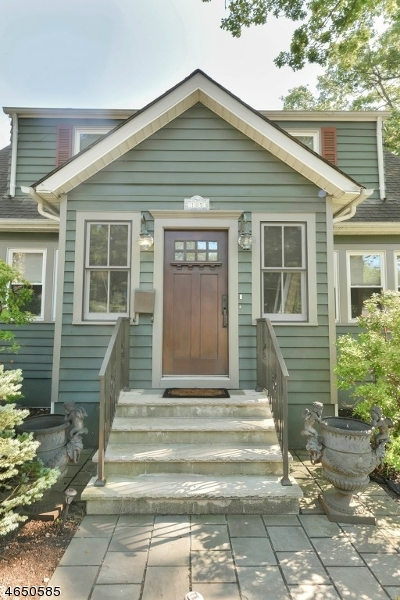 Additional photo for property listing at 185 Hillcrest Avenue  Wyckoff, New Jersey 07481 États-Unis