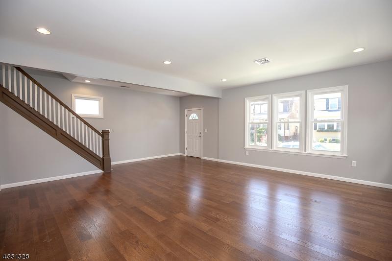 Additional photo for property listing at 52 Menzel Avenue  Maplewood, Nueva Jersey 07040 Estados Unidos