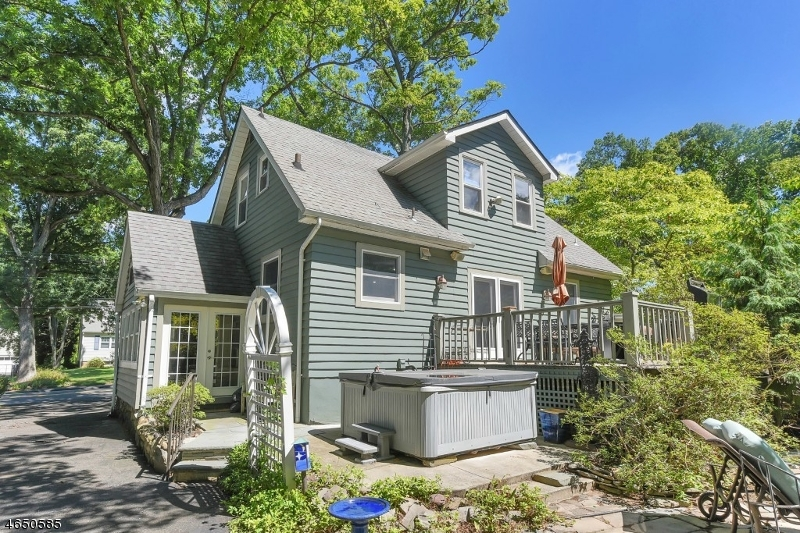 Additional photo for property listing at 185 Hillcrest Avenue  Wyckoff, Нью-Джерси 07481 Соединенные Штаты