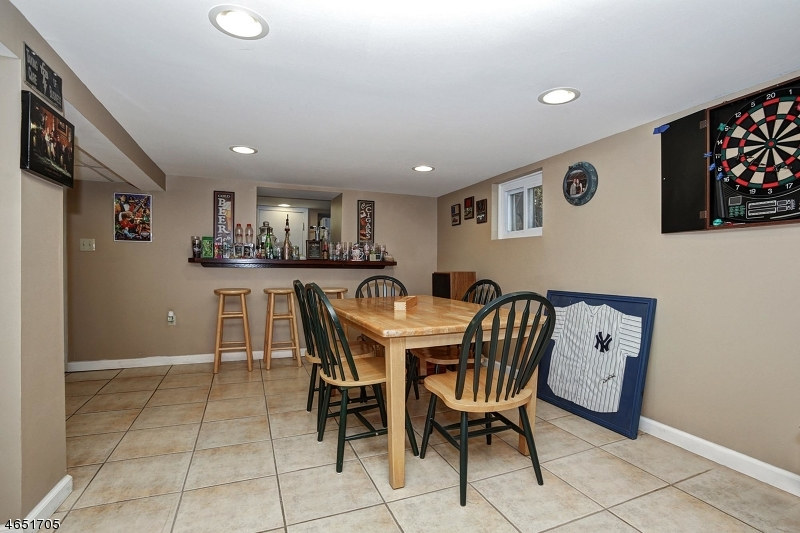 Additional photo for property listing at 41 Brant Avenue  Clark, New Jersey 07066 United States