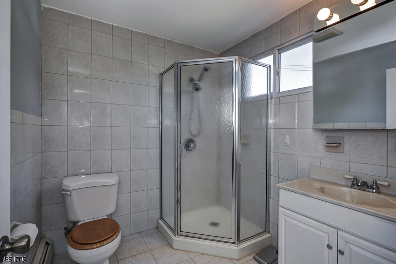 Additional photo for property listing at 41 Brant Avenue  Clark, Нью-Джерси 07066 Соединенные Штаты