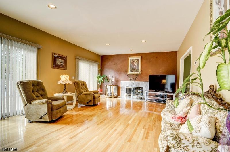 Additional photo for property listing at 7 Cedar Ridge Road  Dunellen, Nueva Jersey 08812 Estados Unidos