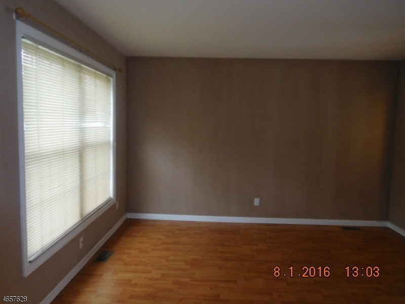 Additional photo for property listing at 306 Seven Oaks Way  Orange, New Jersey 07050 United States