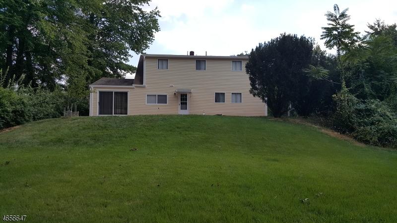 Additional photo for property listing at 75 Jackson Avenue  Pompton Plains, Nueva Jersey 07444 Estados Unidos
