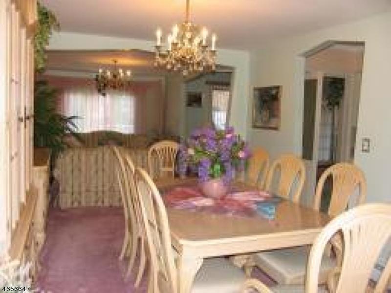 Additional photo for property listing at 75 Jackson Avenue  Pompton Plains, New Jersey 07444 États-Unis