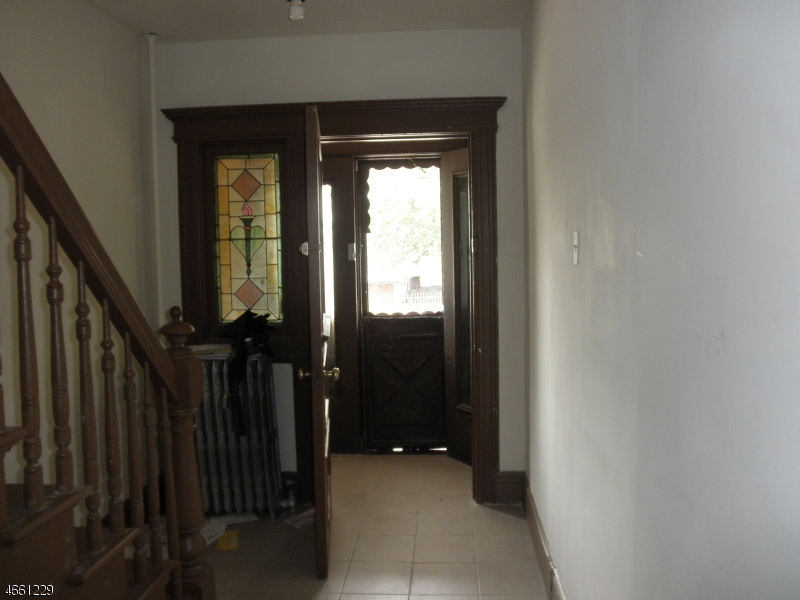 Additional photo for property listing at 181 N 18th Street  East Orange, New Jersey 07017 États-Unis