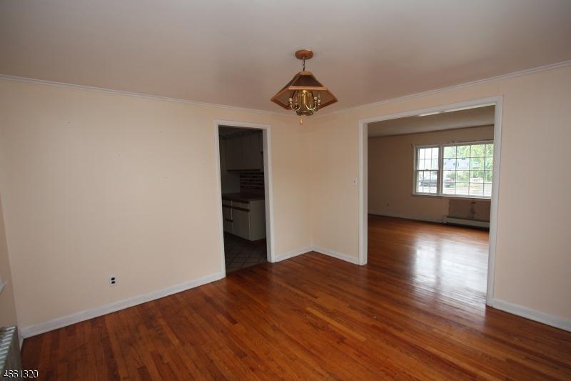 Additional photo for property listing at 79 Baker Avenue  Dover, Nueva Jersey 07801 Estados Unidos