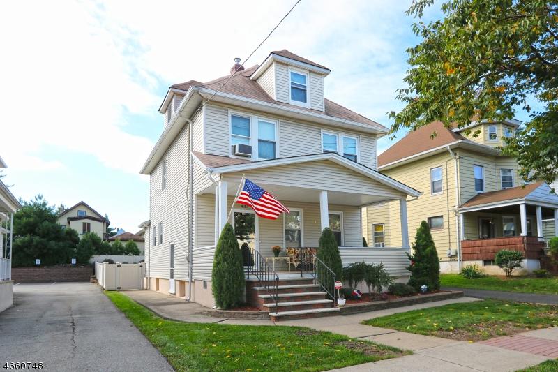 Commercial pour l Vente à 437 Clifton Avenue Clifton, New Jersey 07011 États-Unis