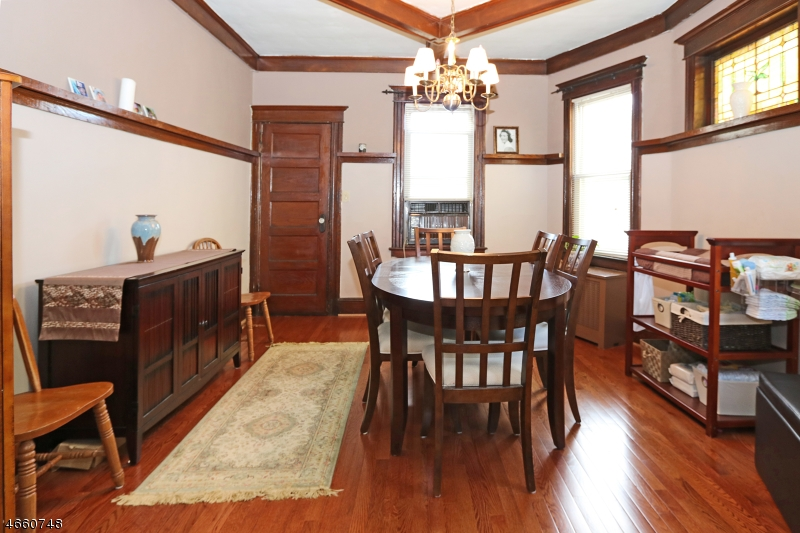 Additional photo for property listing at 437 Clifton Avenue  Clifton, New Jersey 07011 États-Unis