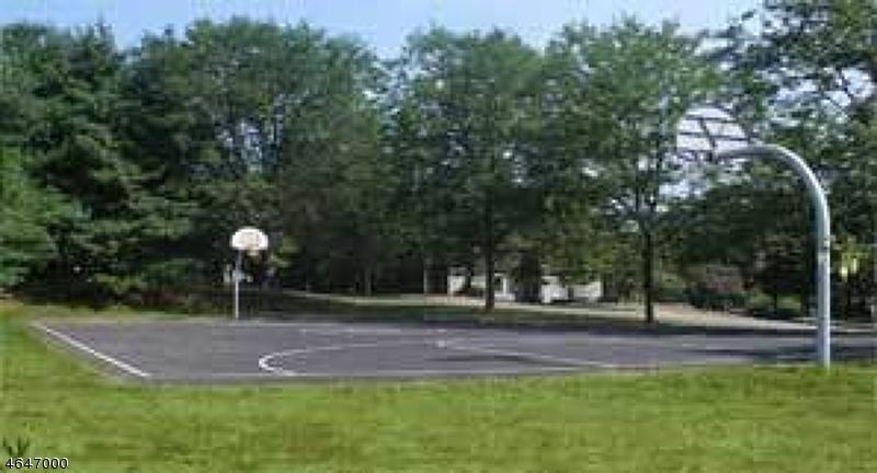 Additional photo for property listing at 1905 Spruce Hills Drive  Glen Gardner, New Jersey 08826 États-Unis