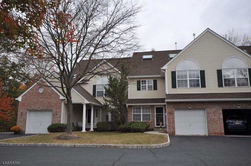 Частный односемейный дом для того Аренда на 10 Cooper Lane Millington, Нью-Джерси 07946 Соединенные Штаты