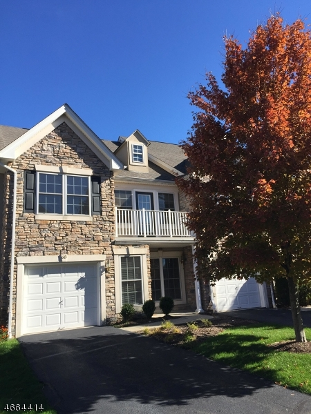 Casa Unifamiliar por un Alquiler en 68 Spruce Lane Haledon, Nueva Jersey 07508 Estados Unidos