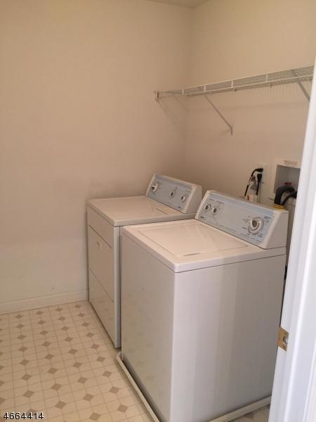 Additional photo for property listing at 68 Spruce Lane  Haledon, 新泽西州 07508 美国
