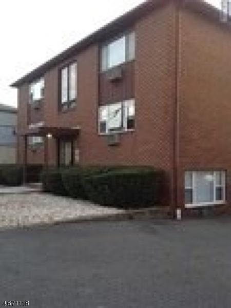 Casa Unifamiliar por un Alquiler en Address Not Available Lyndhurst, Nueva Jersey 07071 Estados Unidos
