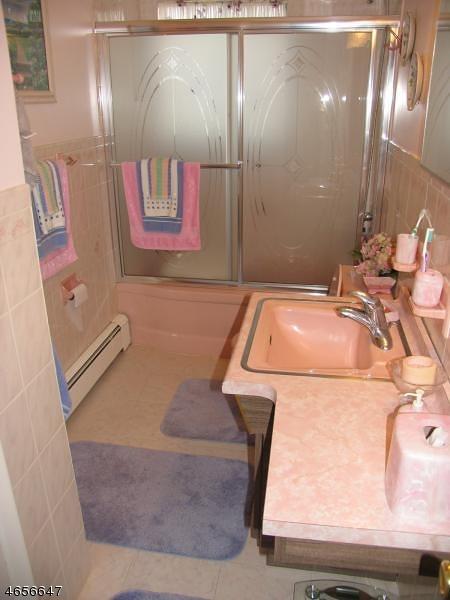 Additional photo for property listing at 75 Jackson Avenue  Pompton Plains, 新泽西州 07444 美国
