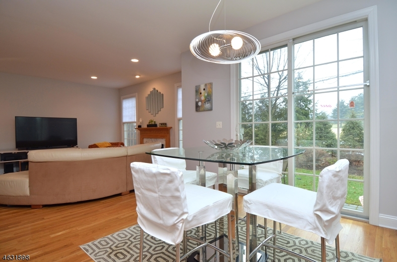Additional photo for property listing at 16 Schindler Court  Saddle River, New Jersey 07458 États-Unis