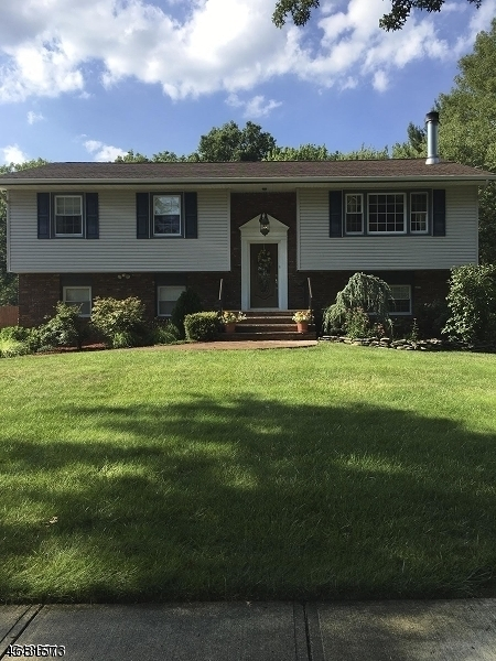 Single Family Home for Sale at 32 Gathering Road Pine Brook, 07058 United States