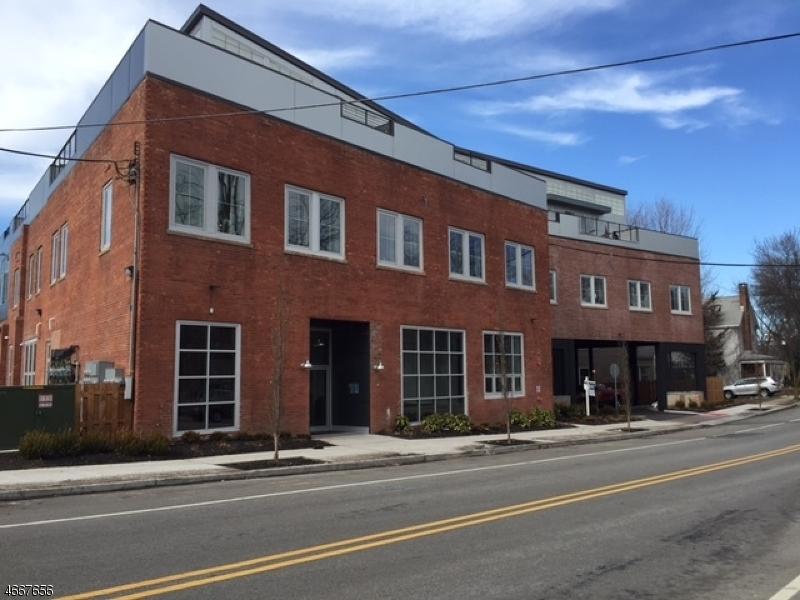 独户住宅 为 出租 在 10 Ford Avenue 莫里斯敦, 新泽西州 07960 美国