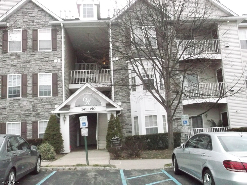 Maison unifamiliale pour l à louer à 142 Barrister Drive Butler, New Jersey 07405 États-Unis