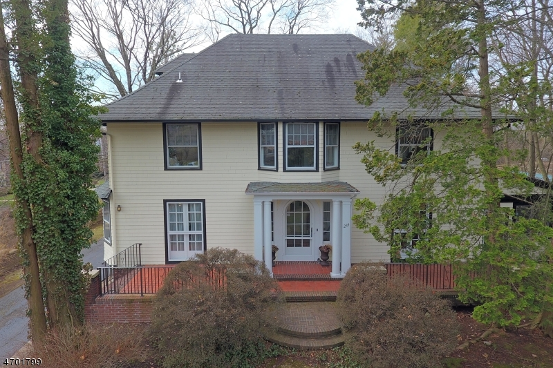 Single Family Home for Sale at 284 Godwin Avenue Ridgewood, New Jersey 07450 United States