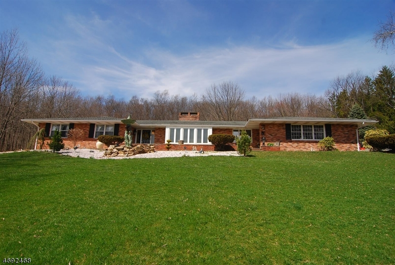 Single Family Home for Sale at 25 Ruth Drive Wantage, 07461 United States