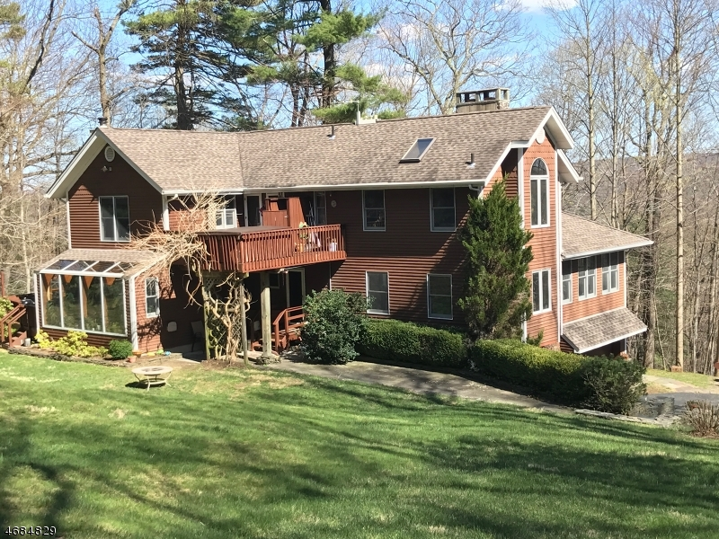 Single Family Home for Sale at 54 Cliff Rd West Milford, 07480 United States