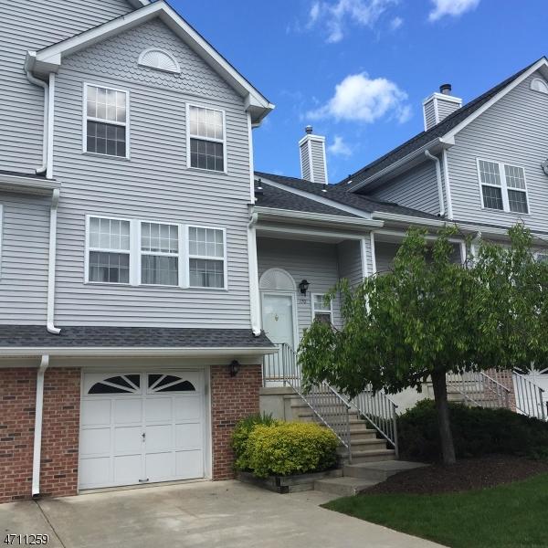 Maison unifamiliale pour l à louer à 170 Durham Court Hackettstown, New Jersey 07840 États-Unis