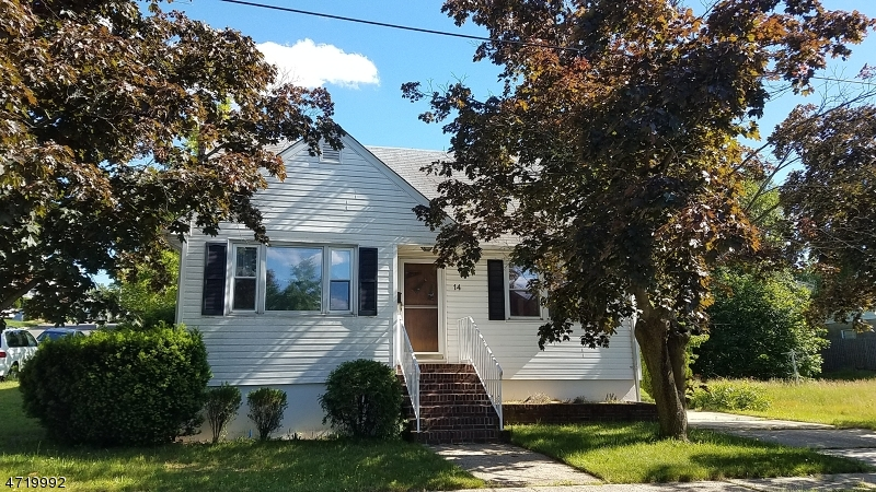 Single Family Home for Sale at 14 Rose St Sayreville, New Jersey 08872 United States