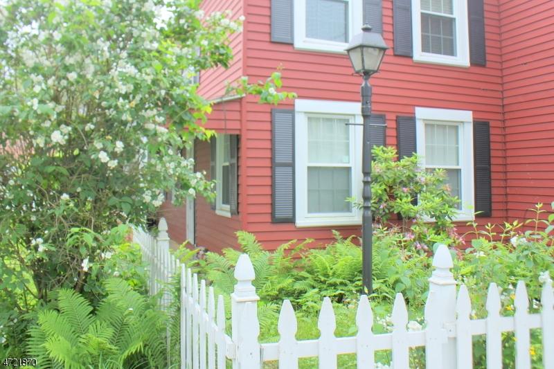 Casa Unifamiliar por un Alquiler en 416 Front Street - Upstairs Belvidere, Nueva Jersey 07823 Estados Unidos