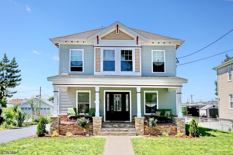 Maison unifamiliale pour l Vente à Address Not Available Lyndhurst, New Jersey 07071 États-Unis