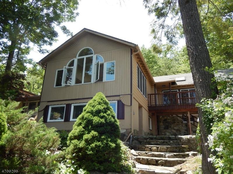独户住宅 为 销售 在 2114 LAKESIDE DR WEST 弗农, 新泽西州 07462 美国
