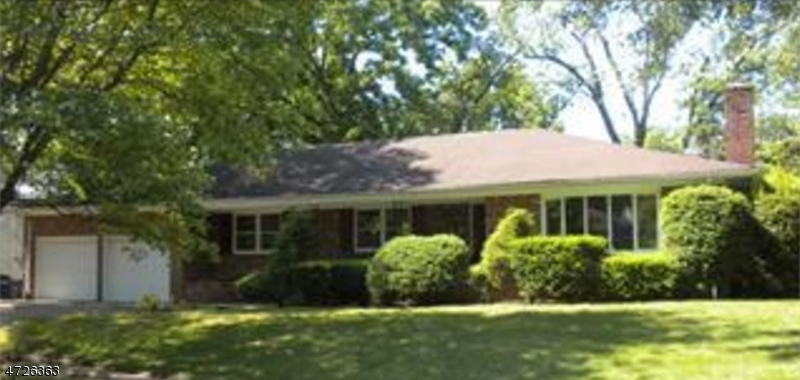 独户住宅 为 出租 在 4 Shadowlawn Drive 斯普林菲尔德, 新泽西州 07081 美国