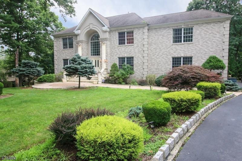 Maison unifamiliale pour l à louer à 9 Gorge Way Wayne, New Jersey 07470 États-Unis